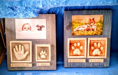 Las huellas de tu hijo y perrito o de tus perros en cerámica