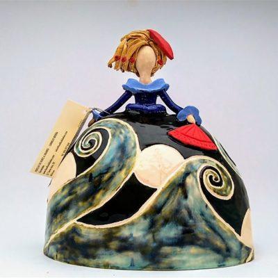 menina olas ceramica